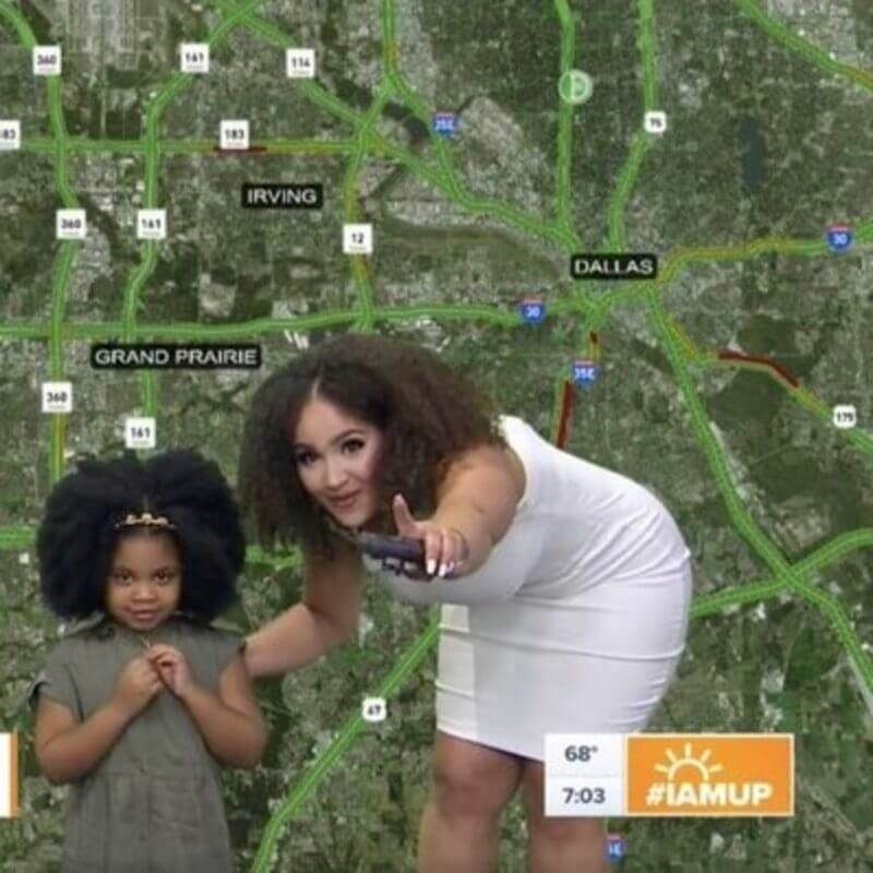 This Texan News Anchor Just Taught 4-Year-Old Karsyn An Important Lesson About Her Natural Hair